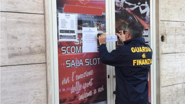 La Guardia di Finanza sequestra una sala scommesse a Pescara. Era abusiva